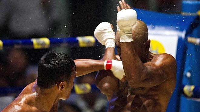 El violento boxeo birmano cautiva a los extranjeros