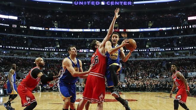 Curry se exhibe ante los Bulls de Gasol, que anotó un punto