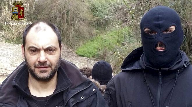 La Policía italiana detiene en una cueva a dos de los capos mafiosos más buscados
