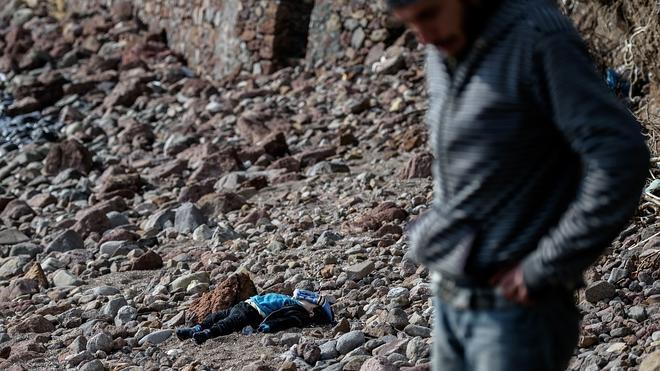 Al menos 37 inmigrantes muertos frente a las costas del Egeo