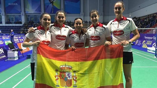 España se garantiza una medalla en el Europeo de bádminton