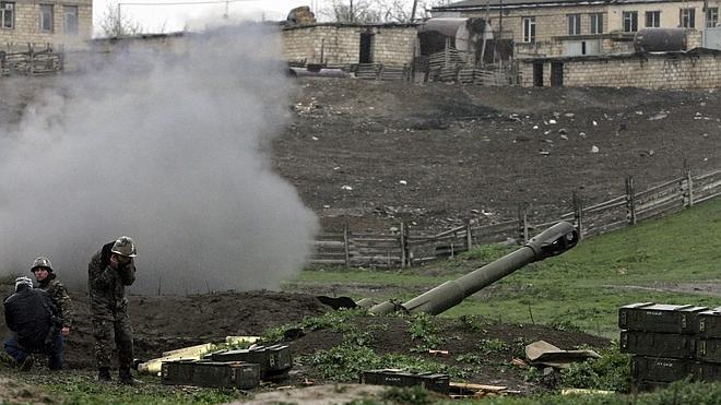 Azerbaiyán pone en alerta a su Ejército en previsión de un ataque a las tropas armenias