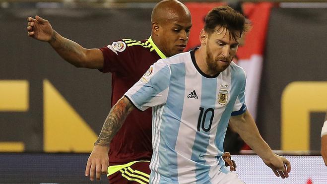 Argentina golea a Venezuela y Chile aplasta a México