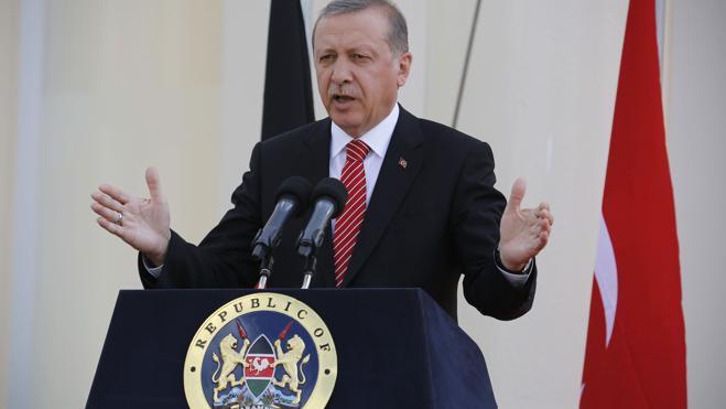 Turquía encarcela a un activista y dos periodistas por difundir «propaganda terrorista»