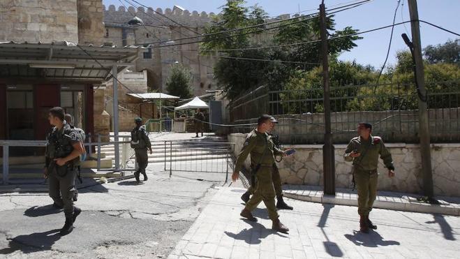 Una palestina es abatida por intentar apuñalar a un soldado israelí