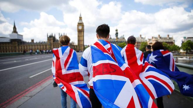 Cascada de dimisiones tras el 'Brexit'