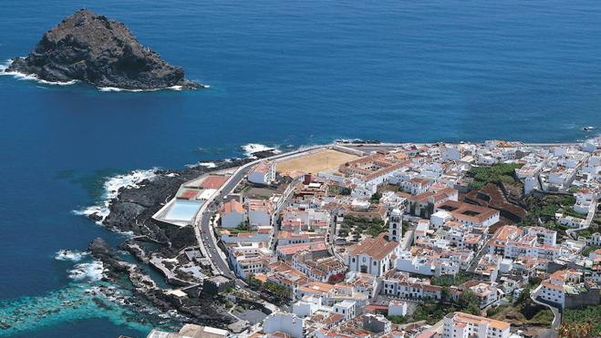 Tenerife lanza la campaña turística 'Abraza un británico'