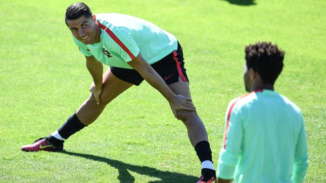 Cristiano: «Este domingo será la primera vez que Portugal gane un trofeo importante»