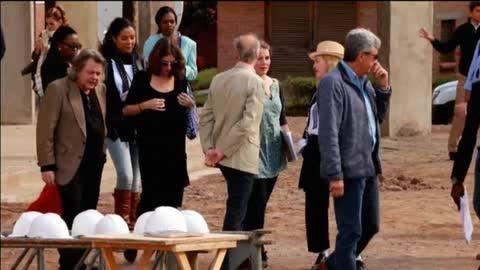 Madonna visita Malawi, el país de origen de sus dos hijos adoptivos