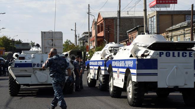 Un grupo armado asalta un edificio de la Policía armenia y toma rehenes