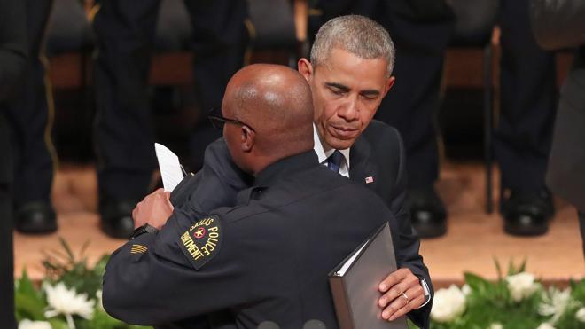 31 policías muertos en tiroteos en lo que va de año en EE UU