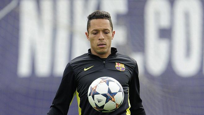 Adriano, adiós a un jugador de equipo al que le faltó continuidad