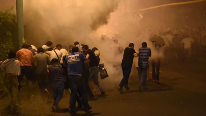 Los asaltantes de la comisaría de Armenia matan a un policía