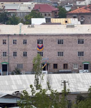 Se entregan los opositores atrincherados en una comisaría en Armenia