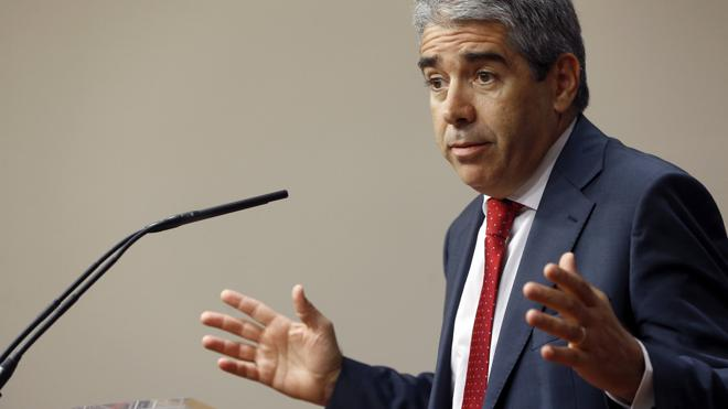 El PP deja a Convergencia sin grupo en el Senado