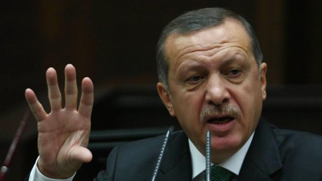 Erdogan acusa a Occidente de apoyar el «terrorismo» y el golpe de Estado