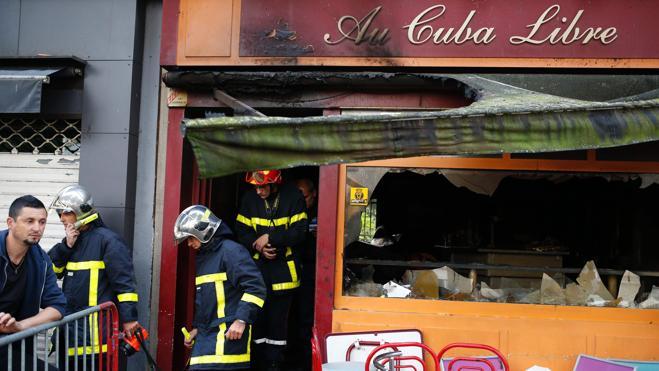 Mueren trece jóvenes al incendiarse un bar en Francia por unas velas de cumpleaños