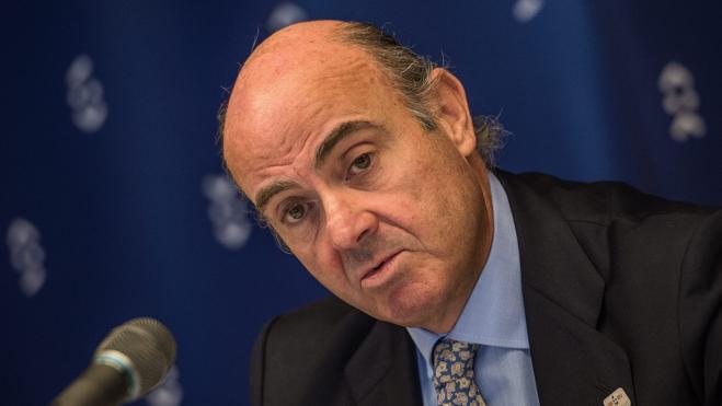 De Guindos explicará el 'caso Soria' mañana en la Comisión de Economía