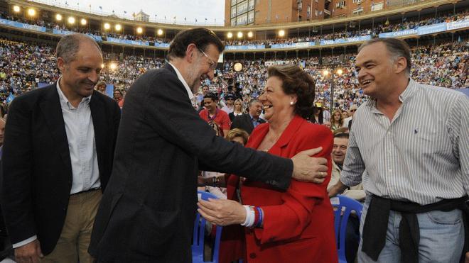 Barberá causa baja en el PP a petición «del partido» pero se aferra a su escaño de senadora