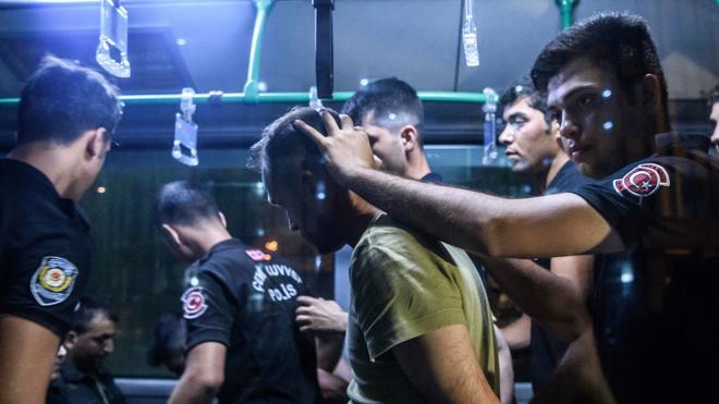 Turquía mantiene en prisión preventiva a 32.000 acusados por el golpe de Estado fallido