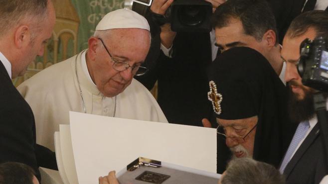 El Papa anima a los ortodoxos a la unidad ante un mundo sediento de paz