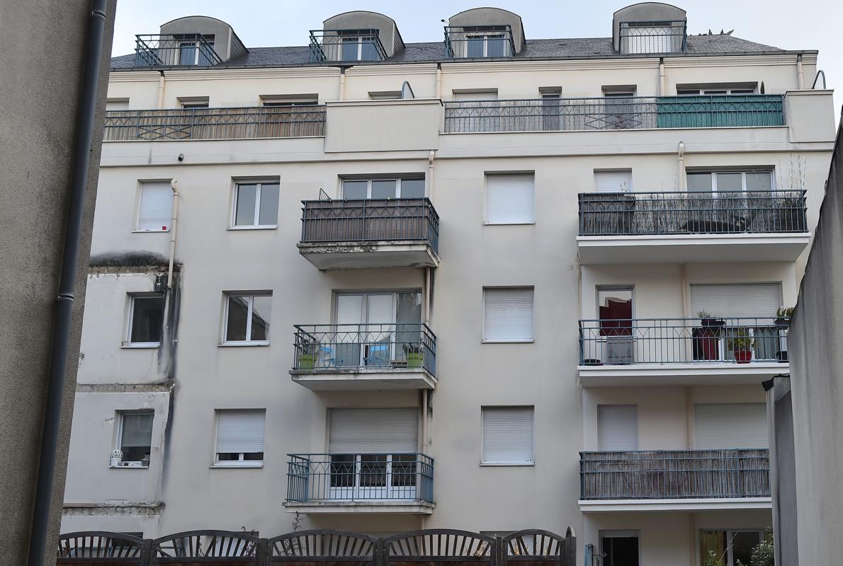 Cuatro jóvenes muertos y una decena heridos tras derrumbarse un balcón en Francia