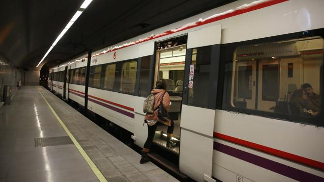 Muere un joven arrollado por un tren de Cercanías en Madrid