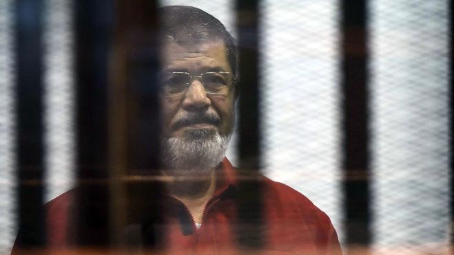 Anulan la pena a muerte al expresidente egipcio Mursi por fugarse de la cárcel