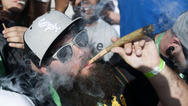 Denver, primera ciudad de EE UU que permite el uso social de la marihuana