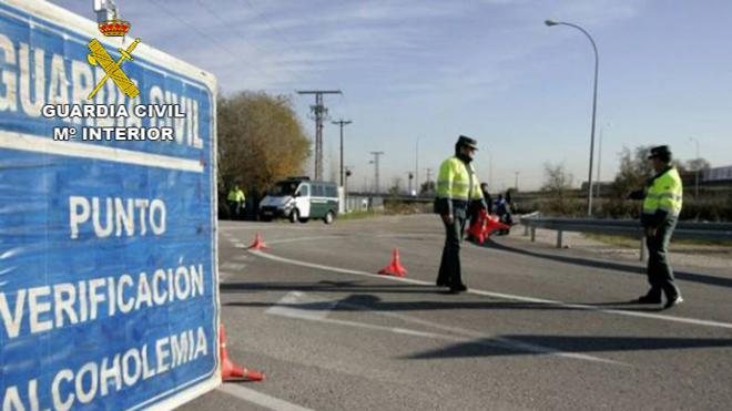 Investigan al conductor de un autobús escolar en Cáceres que quintuplicaba la tasa de alcohol