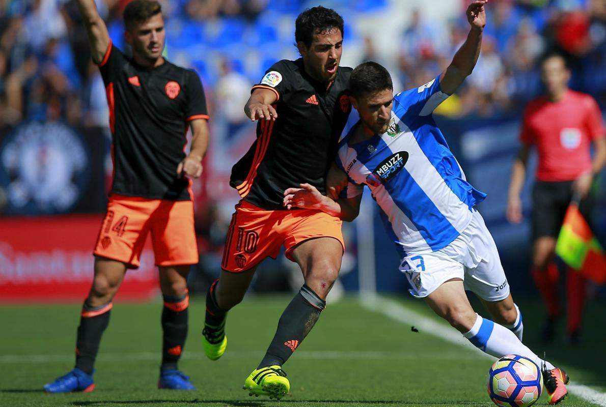 El Valencia deja casi finiquitada la eliminatoria en Butarque