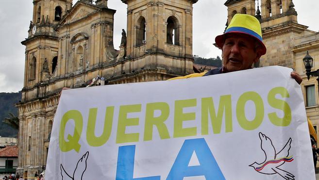 El Senado colombiano aprueba de forma unánime el acuerdo de paz con las FARC