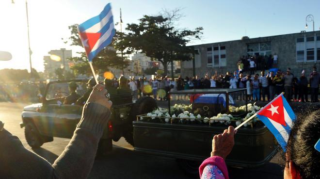 Las cenizas de Fidel Castro emprenden el viaje hasta Santiago