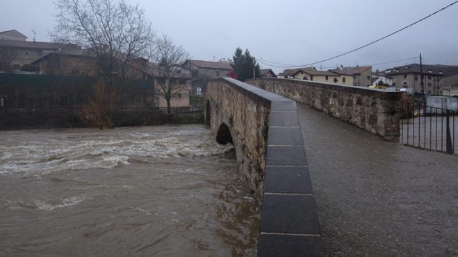 Se reanuda la búsqueda en el río del cuerpo de la mujer asesinada en Navarra