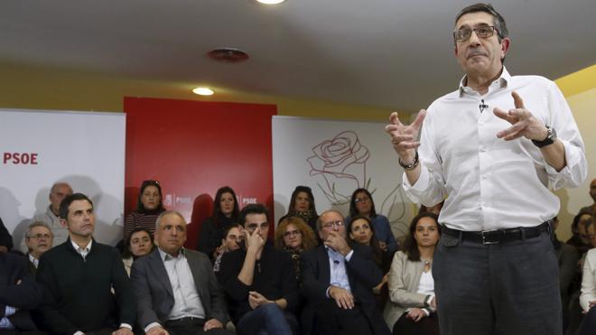 Patxi López: «Si nos seguimos gritando, no nos van a escuchar»