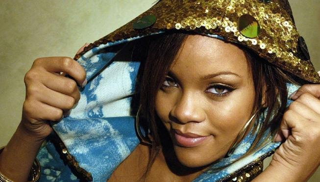 Rihanna llama «cerdo inmoral» a Trump y se enzarza con una rapera
