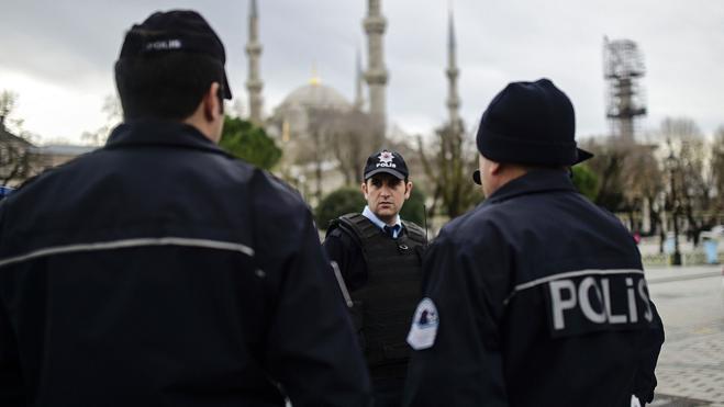 Turquía detiene a 450 supuestos miembros del Daesh