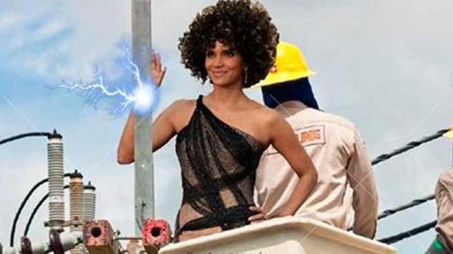 Los mejores 'memes' del pelo de Halle Berry en los Oscars