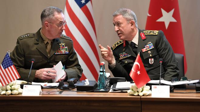 Los jefes militares de EE UU, Rusia y Turquía debaten la situación en Siria e Irak