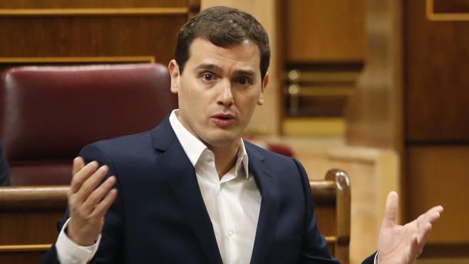 Rivera no da el pacto por roto, pero sí «la palabra dada» por el PP en materia de corrupción