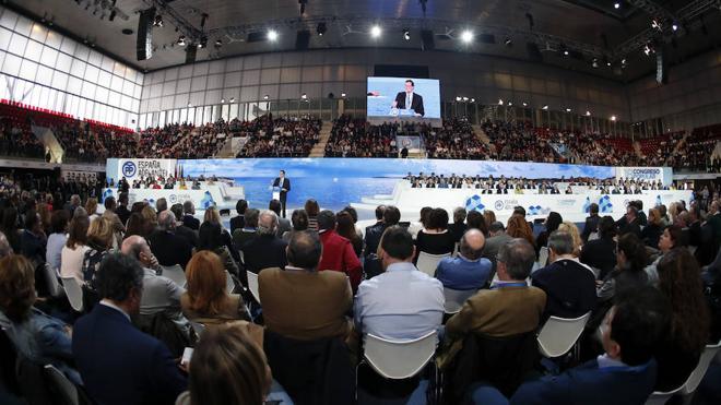 La baja participación en los congresos del PP deja al descubierto censos inflados