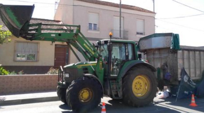 Una anciana muere atropellada por un tractor en Murcia