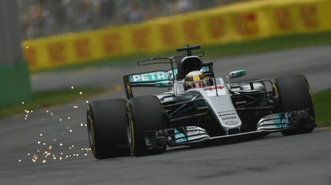 Hamilton impone su ley en los primeros entrenamientos