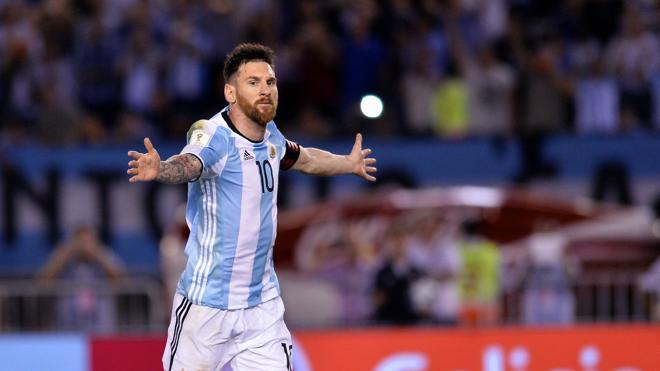Un gol de Messi pone a Argentina en la zona de clasificación directa