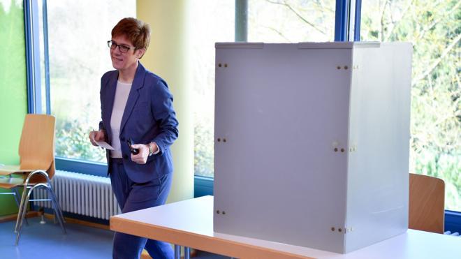 El partido de Merkel gana las elecciones de Sarre, el primer test frente a Schulz