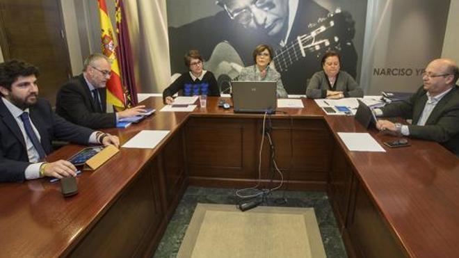 El PP no contempla «ahora mismo» presentar un candidato alternativo en Murcia