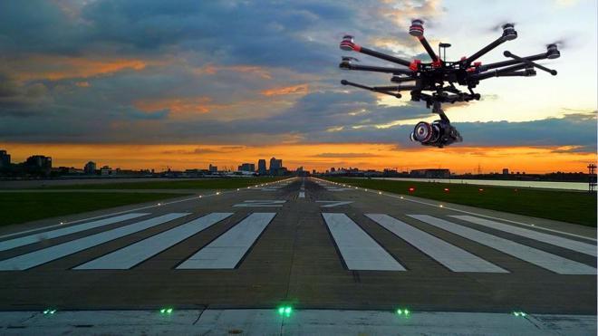 Canard, vigilancia aeroportuaria a golpe de dron