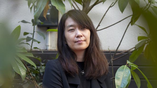 La surcoreana Han Kang narra el deseo de convertirse en planta