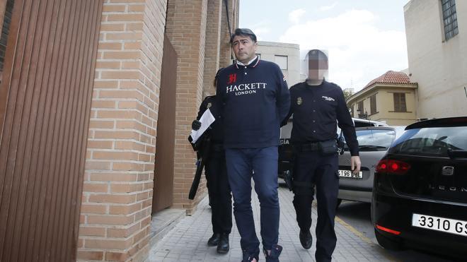 El juez imputa corrupción y organización criminal a los cinco detenidos del Eldense