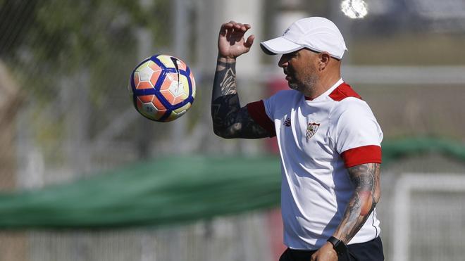 El Sevilla advierte a la AFA que sería «inaceptable» reunirse con Jorge Sampaoli